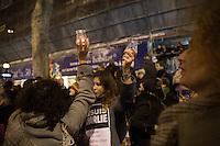 """Francia - Parigi  Place de la Republique manifestazione di cordoglio per l'assalto a Charlie Hebdo e la morte di 12 persone """"Je suis Charlie"""" Paris  manifestation of condolences for the attack on Charlie Hebdo and the death of 12 people"""