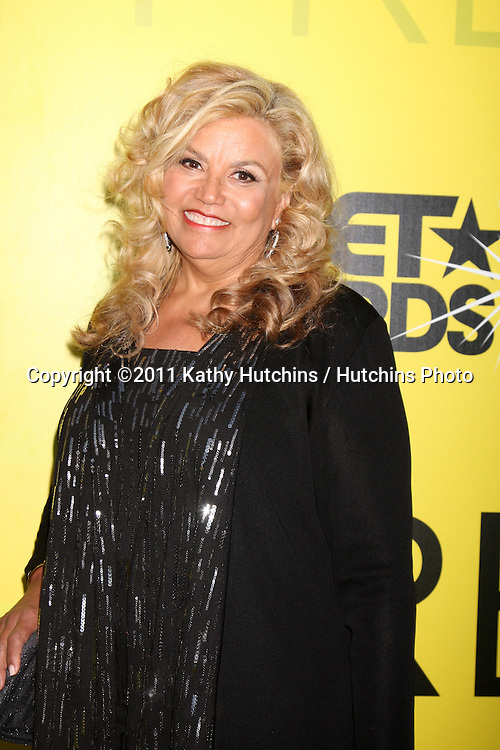 LOS ANGELES - JUN 25:  Suzanne de Passe arriving at the 5th Annual Pre-BET Dinner at Book Bindery on June 25, 2004 in Beverly Hills, CA