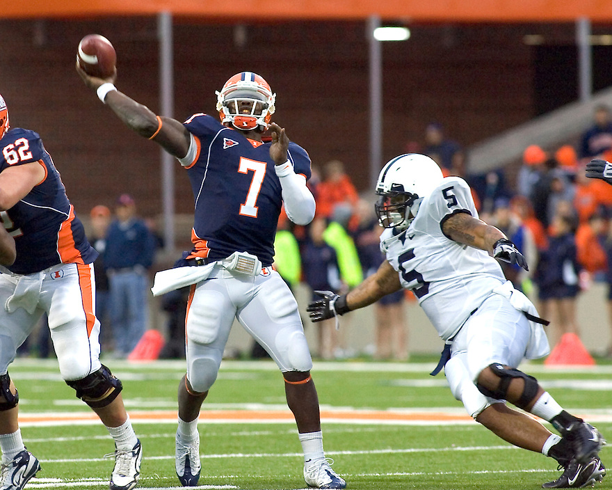 October 3, 2009 - Champaign, Illinois, USA - Penn State defensive end Jerome Hayes (5) pressures Illinois quarterback Juice Williams (7) in the game between the University of Illinois and Penn State at Memorial Stadium in Champaign, Illinois.  Penn State defeated Illinois 35 to 17.  .