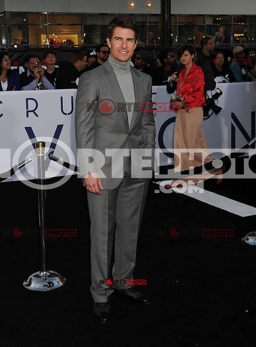 WWW.BLUESTAR-IMAGES.COM  Tom Cruise arrives at the 'Oblivion' - Los Angeles Premiere at Dolby Theatre on April 10, 2013 in Hollywood, California..Photo: BlueStar Images/OIC jbm1005  +44 (0)208 445 8588..