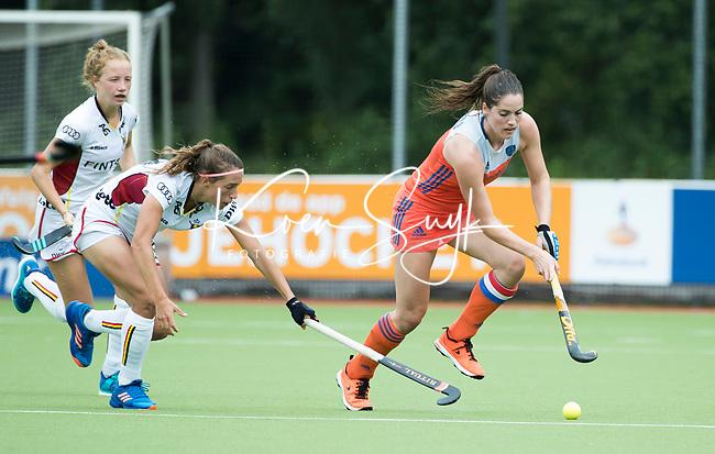 SCHIEDAM - Marloes Keetels (Ned) met links Barbara NELEN (Bel)  tijdens een oefenwedstrijd tussen  de dames van Nederland en Belgie (0-1) , in aanloop naar het  EK Hockey, eind augustus in Amstelveen. COPYRIGHT KOEN SUYK