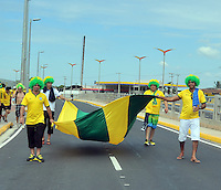 FORTALEZA - BRASIL -04-07-2014. Los hinchas brasileños disfrutan previo al juego de los cuartos de final entre Colombia (COL) y Brasil (BRA), hoy 4 de julio de 2014, por la Copa Mundial de la FIFA Brasil 2014 jugado en el Estadio Castelao de Fortaleza./ Fans of Brazil enjoy prior the match of the Quarter-Finals between Colombia (COL) and Brazil (BRA), today July 4 2014 for the 2014 FIFA World Cup Brazil played at Castelao stadium in Fortaleza. Photo: VizzorImage / Alfredo Gutiérrez / Contribuidor