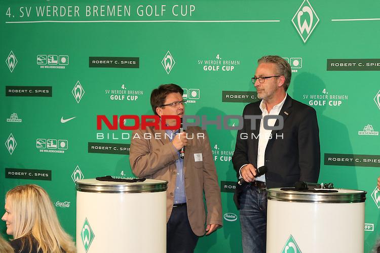 23.07.2015, Club zur Vahr eV, Bremen, GER, SV Werder Bremen Golfturnier<br /> <br /> im Bild<br /> Dr. Hubertus Hess-Grunewald (Gesch&auml;ftsf&uuml;hrer und Pr&auml;sident) und Rainer Kn&uuml;ppel von Die Wolkenschieber Hilfsorganisationen<br /> <br /> Foto &copy; nordphoto / Ewert