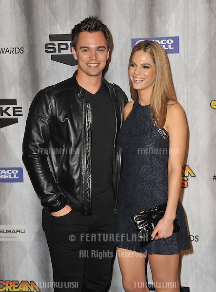 Darin Brooks & Kelly Kruger at the 2011 Spike TV Scream Awards at Universal Studios, Hollywood..October 15, 2011  Los Angeles, CA.Picture: Paul Smith / Featureflash