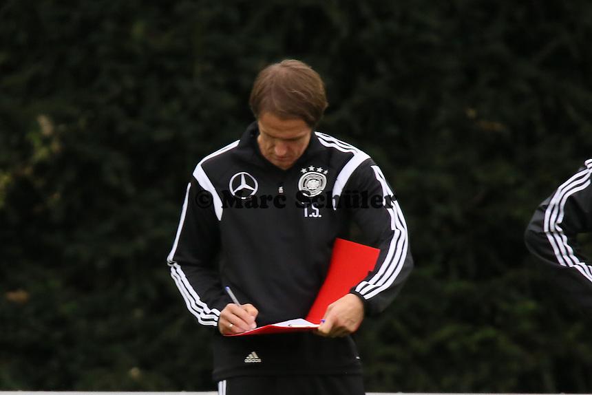 Der neue Co-Trainer Thomas Schneider - Training der Deutschen Nationalmannschaft in Frankfurt