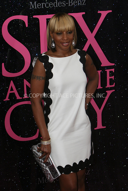 WWW.ACEPIXS.COM . . . . .  ....May 27, 2008. New York City,....Singer Mary. J Blige attends the 'Sex and the City' premiere held at Radio City Music Hall.......Please byline: NANCY RIVERA - ACEPIXS.COM.... *** ***..Ace Pictures, Inc:  ..Philip Vaughan  (646) 769 0430..e-mail: info@acepixs.com..web: http://www.acepixs.com