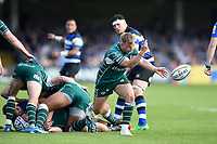 Scott Steele of London Irish passes the ball. Aviva Premiership match, between Bath Rugby and London Irish on May 5, 2018 at the Recreation Ground in Bath, England. Photo by: Patrick Khachfe / Onside Images