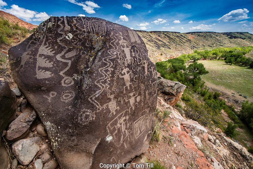 Ancient Petroglyphs in Southern Utah, Fremont Culture rock art, Washington County   Santa Clara River