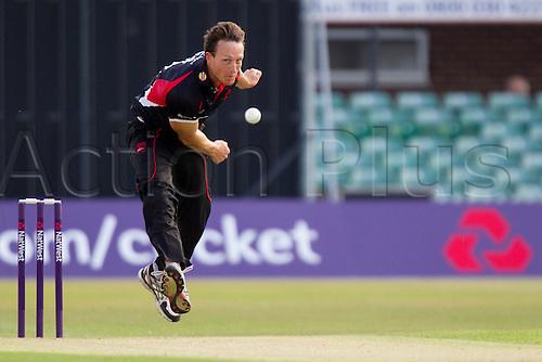 11.07.2014. Leicester, England. NatWest T20 Blast, Leicestershire Foxes vs Lancashire Lightning.  Anthony IRELAND (Leicestershire Foxes) bowling.