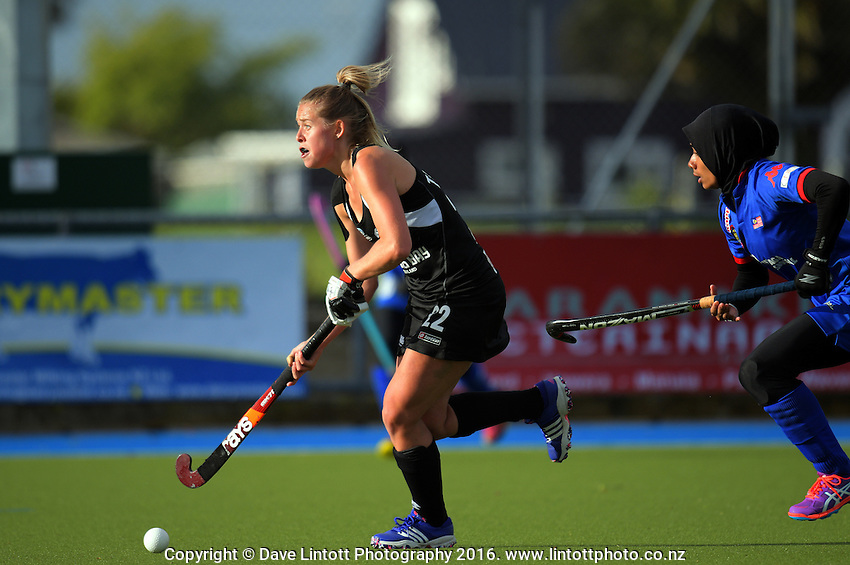 Kim Tanner in action during the international women's hockey match between the New Zealand Black Sticks and Malaysia at TET Stadium, Stratford, New Zealand on Thursday, 15 December 2016. Photo: Dave Lintott / lintottphoto.co.nz