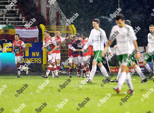 2011-12-17 / Voetbal / seizoen 2011-2012 / R. Antwerp FC - Lommel United / Denis Viane (midden) scoorde de 1-0..Foto: Mpics.be