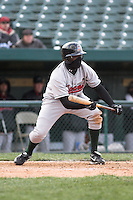 April 5, 2007:  Trayvon Robinson of the Great Lakes Loons at Coveleski Stadium in South Bend, IN.  Photo by:  Chris Proctor/Four Seam Images