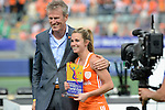 The Hague, Netherlands, June 14: Ellen Hoog #19 of The Netherlands receives the prize for the Women´s best player of the tournament on June 14, 2014 during the World Cup 2014 at Kyocera Stadium in The Hague, Netherlands.  (Photo by Dirk Markgraf / www.265-images.com) *** Local caption ***