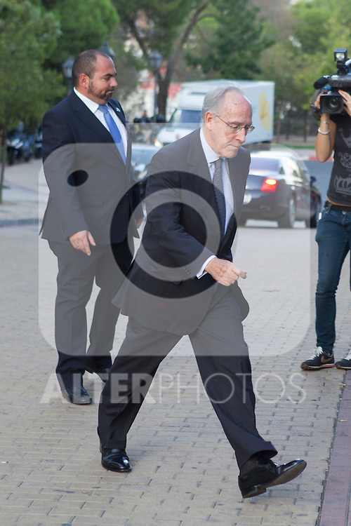 Manuel Pizarro visits San Isidro funeral home following the death of Miguel Boyer in Madrid, Spain. September 29, 2014. (ALTERPHOTOS/Victor Blanco)