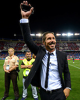 "MADRID - ESPAÑA - 22-08-2014:  Diego ""Cholo"" Simeone, tecnico de Atletico de Madrid celebra como campeones de la Super Copa de España tras vencer a Real Madrid,  durante partido de vuelta entre Atletico de Madrid  y Real Madrid por la Super Copa de España 2014, en el estadio Vicente Calderon de la ciudad de Madrid, España. / Diego ""Cholo"" Simeone, coach of Atletico de Madrid  celebrates as champions of the Super Copa de España after beating Real Madrid,, during a match for the second leg between Atletico Madrid and Real Madrid on the Super Copa de España 2014, at the Vicente Calderon stadium in Madrid, Spain. Photo: Asnerp / Patricio Realpe / VizzorImage."
