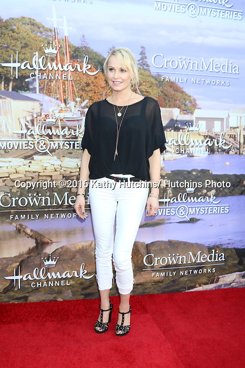 LOS ANGELES - JUL 27:  Josie Bissett at the Hallmark Summer 2016 TCA Press Tour Event at the Private Estate on July 27, 2016 in Beverly Hills, CA