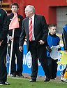 :: ABERDEEN MANAGER CRAIG BROWN BACK ON THE PARK AFTER THE ALLEGED INCIDENT AT THE END OF THE GAME ::