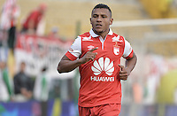 BOGOTÁ -COLOMBIA, 01-02-2015. Wilson Morelo (Der) jugador de Independiente Santa Fe celebra un gol anotado a La Equidad durante partido por la fecha 1 de la Liga Águila I 2015 jugado en el estadio Metropolitano de Techo de la ciudad de Bogotá./ Wilson Morelo player of Independiente Santa Fe celebrates a goal scored to La Equidad during match for the first date of the Aguila League I 2015 played at Metropolitano de Techo stadium in Bogotá city. Photo: VizzorImage/ Gabriel Aponte / Staff
