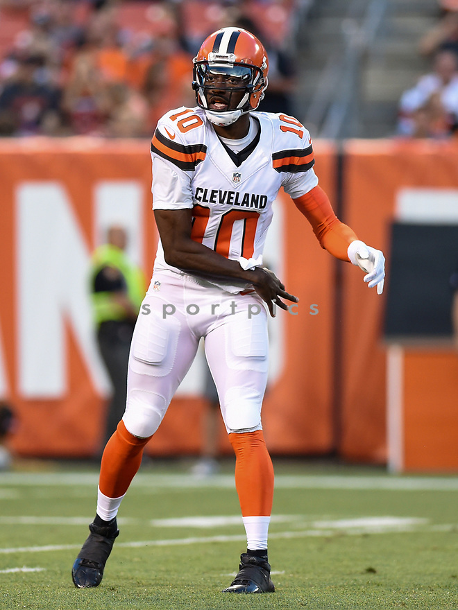CLEVELAND, OH - AUGUST 18, 2016: Quarterback Robert Griffin III #10 of the Cleveland Browns throws a pass in the first quarter of a preseason game on August 18, 2016 against the Atlanta Falcons at FirstEnergy Stadium in Cleveland, Ohio. Atlanta won 24-13. (Photo by: 2016 Nick Cammett/Diamond Images) *** Local Caption *** Robert Griffin III