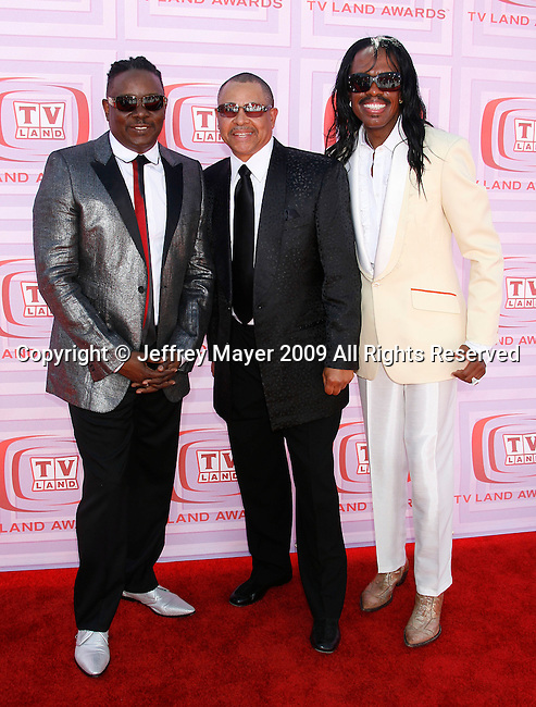 UNIVERSAL CITY, CA. - April 19: Musicians Philip Bailey, Ralph Johnson and Verdine White of Earth, Wind and Fire arrive at the 2009 TV Land Awards at the Gibson Amphitheatre on April 19, 2009 in Universal City, California.