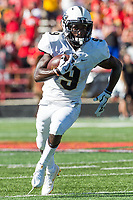 College Park, MD - SEPT 23, 2017: UCF Knights running back Adrian Killins Jr. (9) picks up big yardage on a toss play during game between Maryland and UCF at Capital One Field at Maryland Stadium in College Park, MD. (Photo by Phil Peters/Media Images International)