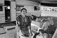 - Rumanian nomads camp at Musocco, north periphery of Milan, November 1987<br /> <br /> - campo di nomadi Rom romeni presso Musocco, alla periferia nord di Milano, Novembre 1987