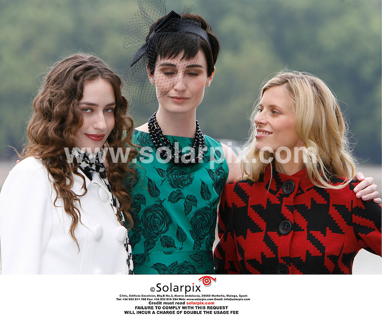 ALL ROUND PICTURES BY SOLARPIX.COM. .Erin O'Connor, Elizabeth Jagger and Laura Bailey launch a new Marks and Spencer advertising campaign on the South Bank in London on 12.09.06. JOB REF:2793-PRS..MUST CREDIT SOLARPIX.COM OR DOUBLE FEE WILL BE CHARGED.....