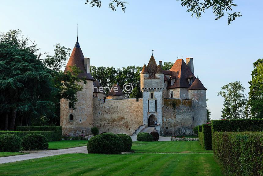 France, Allier (03),  Saint-Pourçain-sur-Besbre, Château de Thoury // France, Allier,  Saint Pourcain sur Besbre, Thoury castle