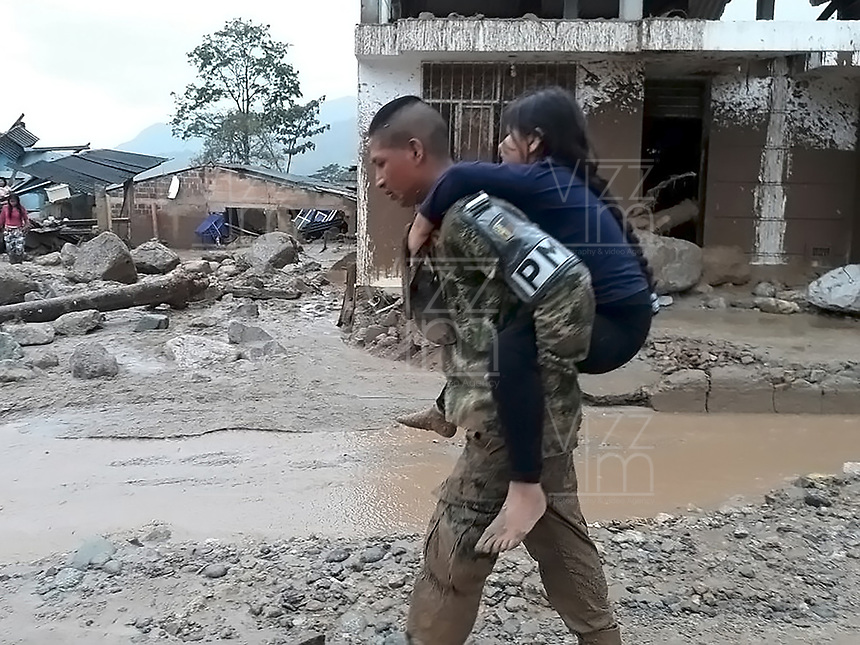 MOCOA - COLOMBIA, 01-04-2017 Aspecto de la tragediá ocurrida ayer, 31 marzo de 2017, en la ciudad de Mocoa al sur de Colombia. El desbordamiento de tres ríos y una avalancha de lodo y piedra que se presentaron en la noche de este viernes, han dejado 176 personas fallecidas y más de 200 heridos. / Aspect of the tragedy happened yesterday, 31 of March 2017, in the city of Mocoa in southern Colombia. The flood of three rivers and an avalanche of mud and stone that appeared on the night of this Friday, have left 176 people dead and more than 200 injured. Photo: VizzorImage /  EJERCITO NACIONAL - SIG / HANDOUT PICTURE; MANDATORY EDITORIAL USE ONLY/ NO MARKETING, NO SALES