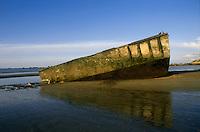 - Normandy, sites of allied landing of June 1944, rests of Mulberry prefabricated harbor ....- Normandia, i luoghi degli sbarchi alleati del giugno 1944, resti del porto prefabbricato Mulberry