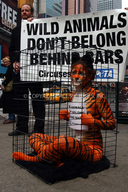 WWW.ACEPIXS.COM . . . . . ....NEW YORK, MARCH 9, 2006....Amy Jannette, her nearly-nude body paint helping with PETA .....Please byline: KRISTIN CALLAHAN - ACEPIXS.COM.. . . . . . ..Ace Pictures, Inc:  ..Philip Vaughan (212) 243-8787 or (646) 679 0430..e-mail: info@acepixs.com..web: http://www.acepixs.com