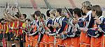 Champions Trophy Hockey mannen finale Nederland-Spanje (2-4). Het Nederlands team kijkt toe hoe de Spanjaarden feestvieren.
