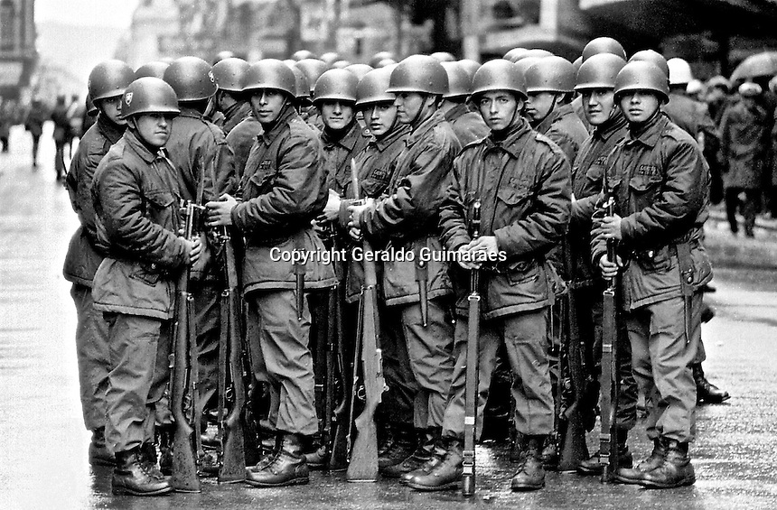 Military on the streets of Santiago during the general elections of 1970. Salvador Allende was elected president of Chile. Allende was the first president of the republic and head of the first democratically elected Marxist socialist state in Latin America. 1970, Santiago, Chile. Geraldo Guimaraes