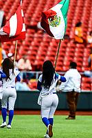 Edecan con la bandera de Mexico.<br /> <br /> <br /> Aspectos del segundo d&iacute;a de actividades de la Serie del Caribe con el partido de beisbol  &Aacute;guilas Cibae&ntilde;as de Republica Dominicana contra Caribes de Anzo&aacute;tegui de Venezuela en estadio Panamericano en Guadalajara, M&eacute;xico,  s&aacute;bado 3 feb 2018. (Foto  / Luis Gutierrez)