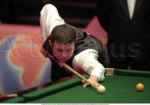 STEPHEN LEE lines up for a shot, 1998 Embassy World Snooker Championships, The Crucible, Sheffield, 980429. Photo: Neil Tingle/Action Plus...1998.ball