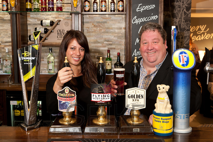 Gloria De Piero, MP for Ashfield, pictured with Mike Perry, owner of Sutton's Fountain Bridge carvery pub.