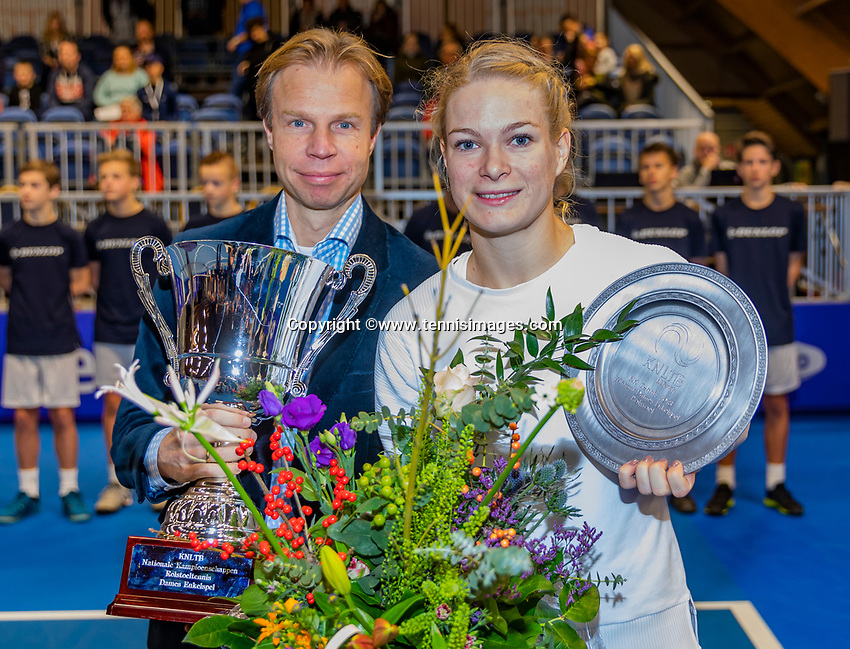 Alphen aan den Rijn, Netherlands, December 15, 2018, Tennispark Nieuwe Sloot, Ned. Loterij NK Tennis, Womans wheelchair final : Winner Dide de Groot (NED) with Erik Poel director of the KNLTB<br /> Photo: Tennisimages/Henk Koster