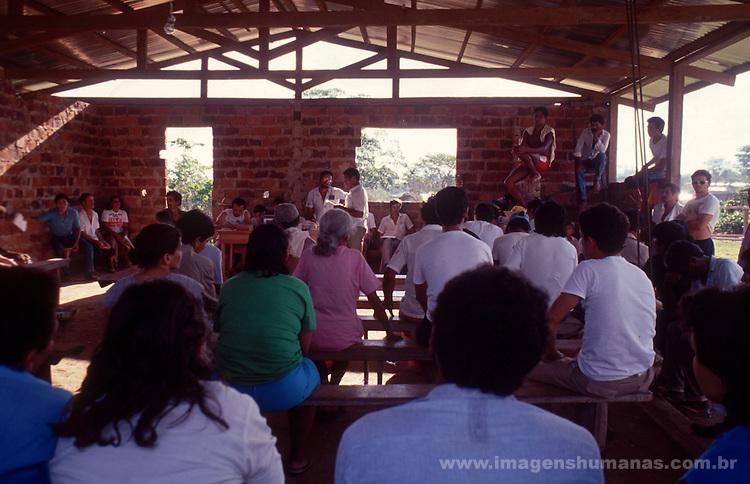 assembléia de índios e seringueiros em brasileia no Acre