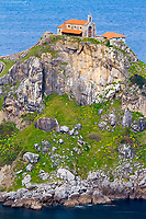 Gaztelugatxeko Doniene, a hermitage on an islet, Gaztelugatxe, San Juan de Gaztelugatxe, Bermeo, Busturialdea, Biscay, Basque Country, Spain, Bay of Biscay, Atlantic Ocean