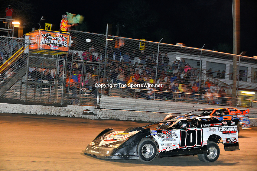 Feb 20, 2014; 9:20:12 PM;  Barberville, FL, USA;  World of Outlaws Late Model Series for 43rd Annual DIRTcar Nationals presented by Summit Racing Equipment at Volusia Speedway Park.  Mandatory Credit: (thesportswire.net)