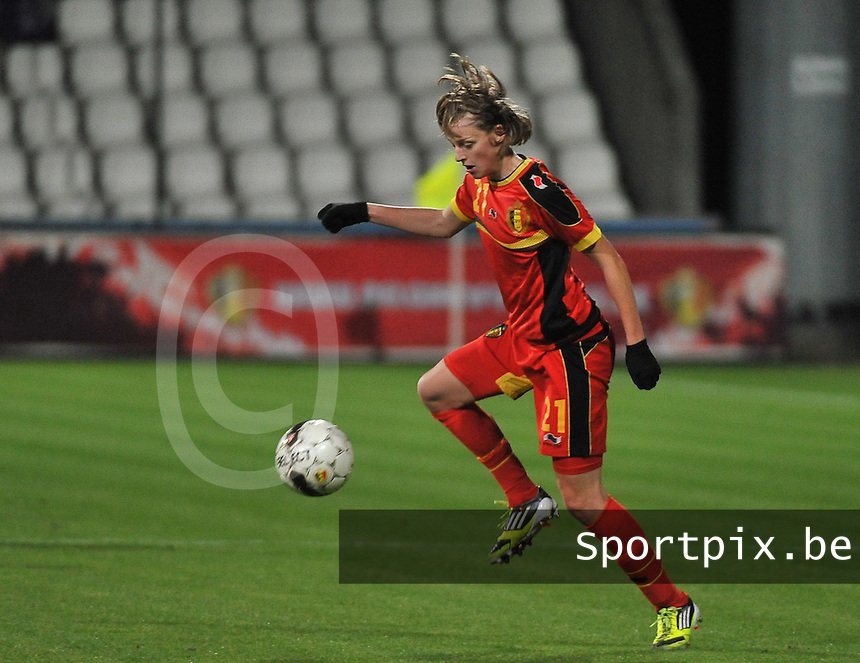 20131031 - ANTWERPEN , BELGIUM : Belgian Yana Daniels  pictured during the female soccer match between Belgium and Portugal , on the fourth matchday in group 5 of the UEFA qualifying round to the FIFA Women World Cup in Canada 2015 at Het Kiel stadium , Antwerp . Thursday 31st October 2013. PHOTO DAVID CATRY