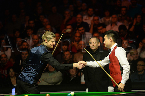 19.02.2016. Cardiff Arena, Cardiff, Wales. Bet Victor Welsh Open Snooker. Neil Robertson versus Ding Junhui. Ding Junhui and Neil Robertson shake hands before the match.