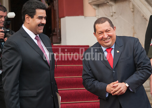 Venezuela: Caracas,27/01/12 .The Vice President of Venezuela Nicolas Maduro (left) accompanying President Hugo Chavez during a meeting with the press at Miraflores Palace.Carlos Hernandez/Archivolatino
