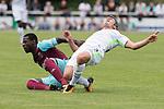 29.07.2017, Fritz Detmar Stadion, Lohne, GER, FSP SV Werder Bremen (GER) vs WestHam United (ENG), <br /> <br /> im Bild<br /> <br /> Pedro Obiang (WestHam)<br /> Fin Bartels (Werder Bremen #22)<br /> <br /> Foto &copy; nordphoto / Kokenge
