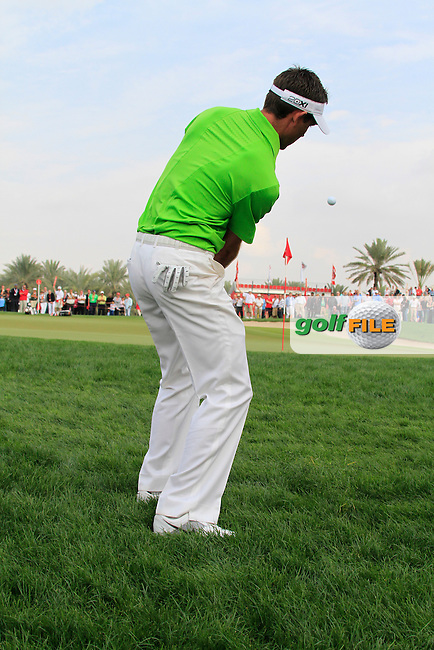 Charl Schwartzel chips onto the 13th green during Day 3 Saturday of the Abu Dhabi HSBC Golf Championship, 22nd January 2011..(Picture Eoin Clarke/www.golffile.ie)