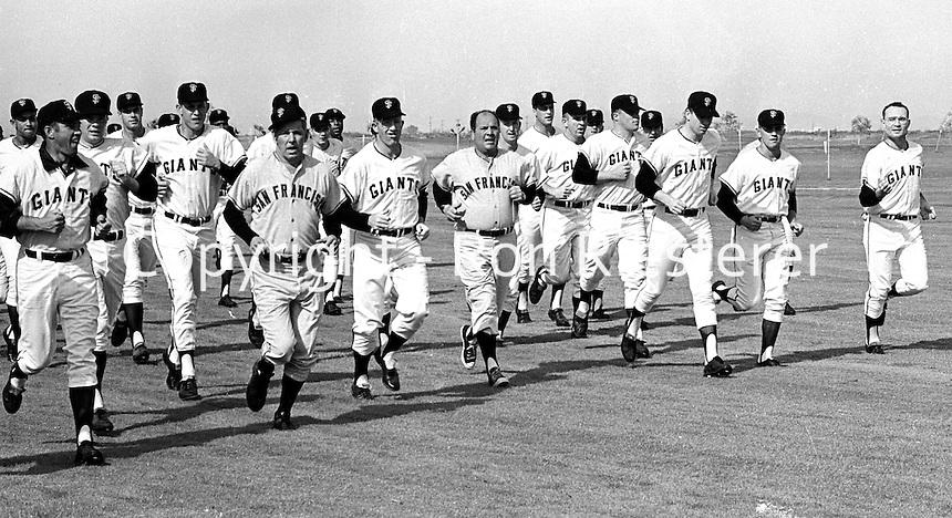 San Francisco Giants running at spring training at Casa Grande Arizona, 1968. (photo Ron Riesterer)