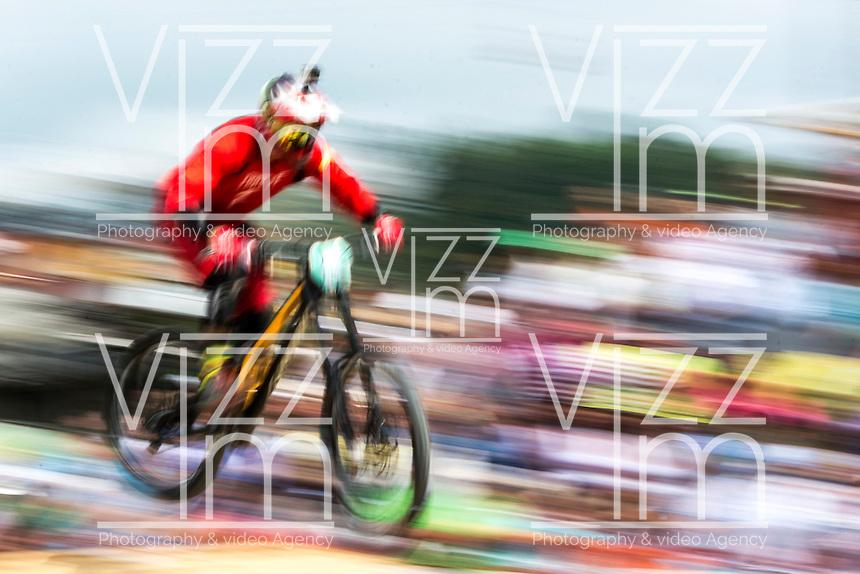 MANIZALES-COLOMBIA. 08-01-2016: Competencia de Down Hill en la Feria de Manizales. La carrera empezó en el barrio Cervantes y finalizó en Los Arrayanes. El ganador, por quinto año consecutivo, fue el manizaleño Marcelo Gutiérrez quien hizo los dos mejores tiempos en los lanzamientos actividad que forma parte de la versión número 60 de La Feria de Manizales 2016 que se lleva a cabo entre el 2 y el 10 de enero de 2016 en la ciudad de Manizales, Colombia. / Downhill Competition at the Fair of Manizales. The race started in the Cervantes neighborhood and ended in Los Arrayanes. The winner for the fifth consecutive year, was the Manizales Marcelo Gutiérrez who made the two best times in the releases the activity is part of the 60th version of Manizales Fair 2016 takes place between 2 and 10 January 2016 in the city of Manizales, Colombia. Photo: VizzorImage / Kevin Toro / Cont