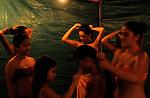 COULISSES DU FESTIVAL DE PAPARA..Choregraphie : BIRET Jean Marie..Compagnie : MANAHAU..Lieu : Papara..Cadre : Festival de danses traditionnelles de Papara..Ville : Tahiti..Le : ..© Laurent PAILLIER CDDS Enguerand ..All Rights reserved