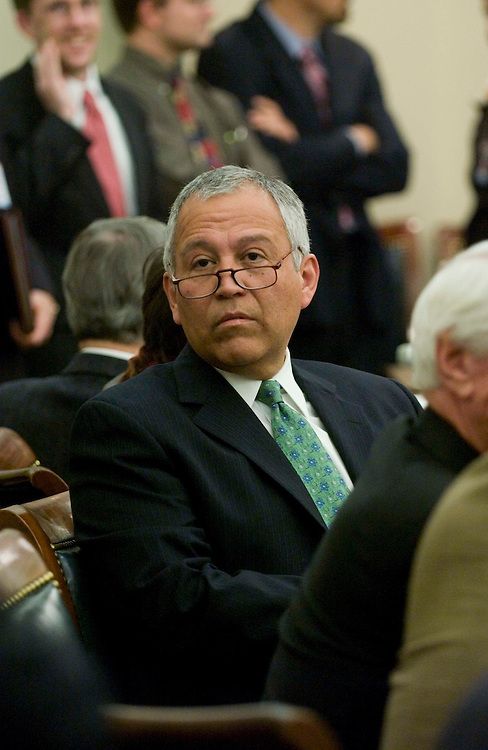 10/25/05.AGRICULTURE APPROPRIATIONS CONFERENCE COMMITTEE--House Appropriations Agriculture Subcommittee Chairman Henry Bonilla, R-Texas, before the meeting of House and Senate conferees to consider HR 2744, Fiscal 2006 Agriculture Appropriations. .CONGRESSIONAL QUARTERLY PHOTO BY SCOTT J. FERRELL