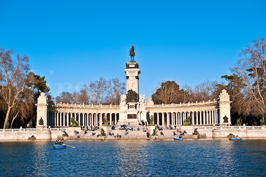 King Alfonso XII memorial, Estanque Lake,  retiro Park, Madrid, Spain
